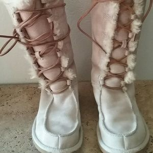 AMAZING Camel Color TALL UGG LACE UP BOOTS SZ6MINT